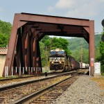NS locomotive finishes doubling, crosses Lehigh Canal