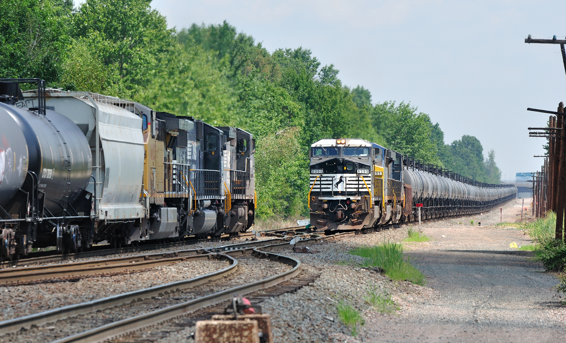 Ethanol empties train waits to head west