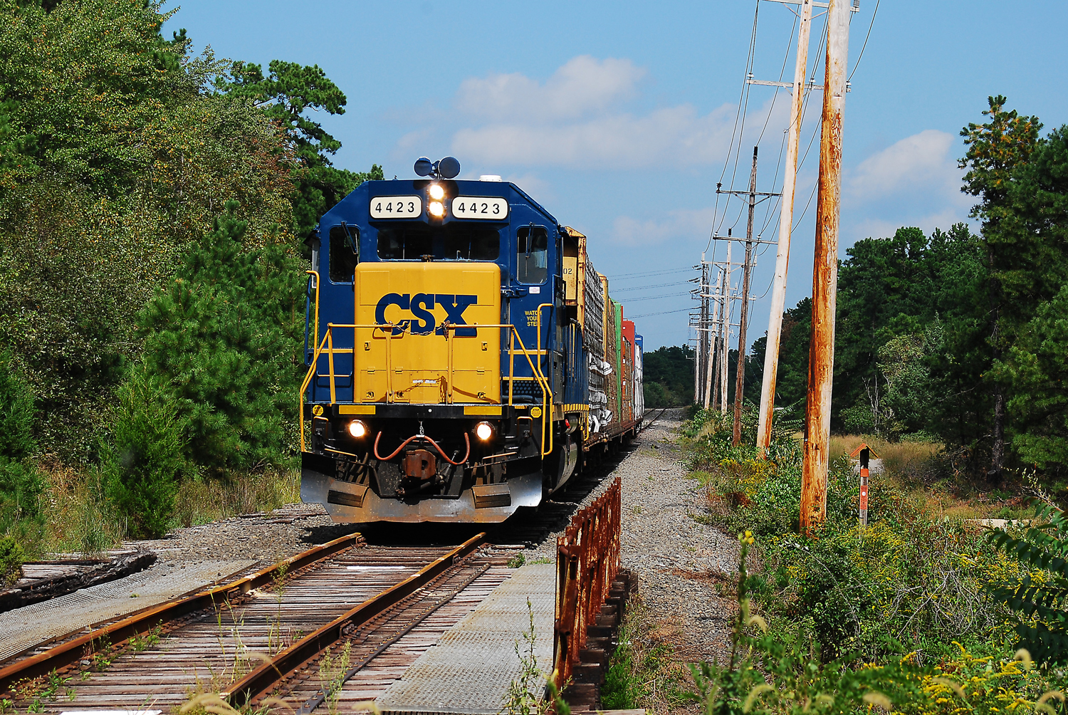 Conrail wayfreight prepares for run-around on famed 'Blue Comet' route