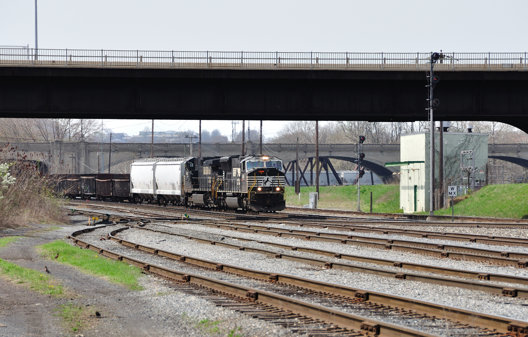 Norfolk Southern SD70M 2615 is joined by NS C40-9W 9453 as power for todays train 18G