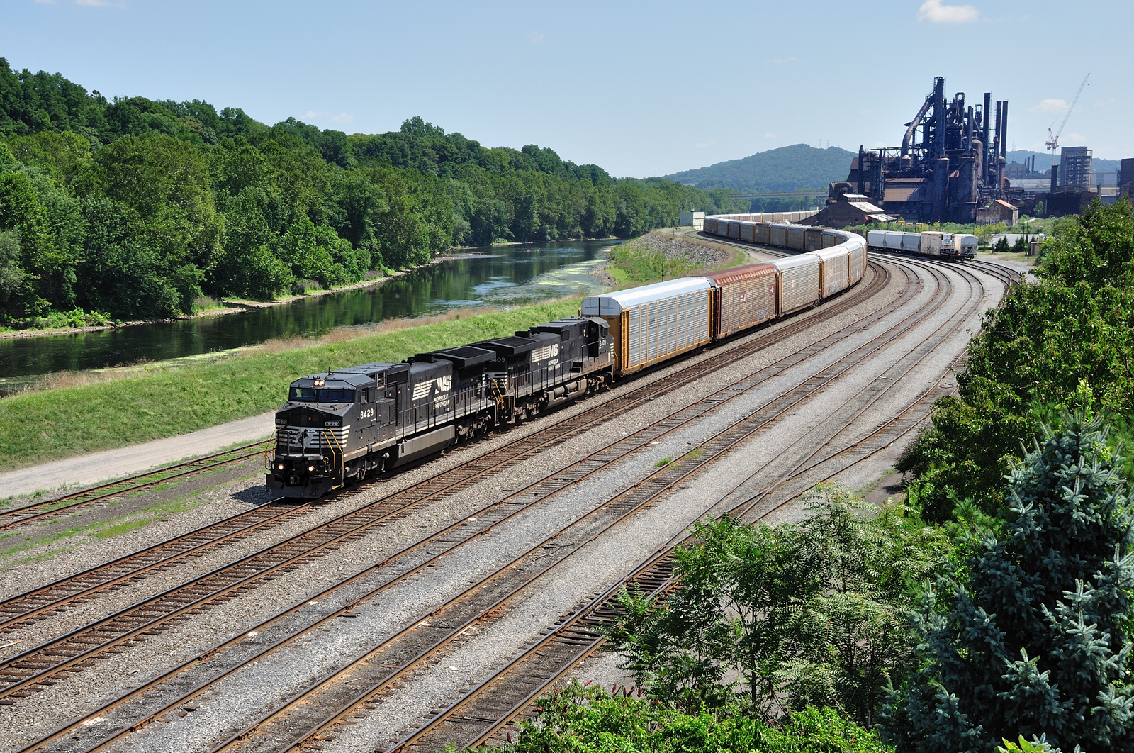 NS Lehigh Line Bethlehem Pa Norfolk Southern train 11J