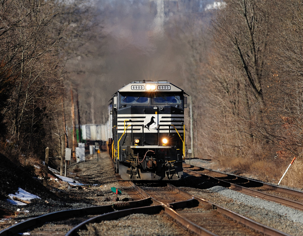 NS train 212 Lehigh Line Piscataway NJ