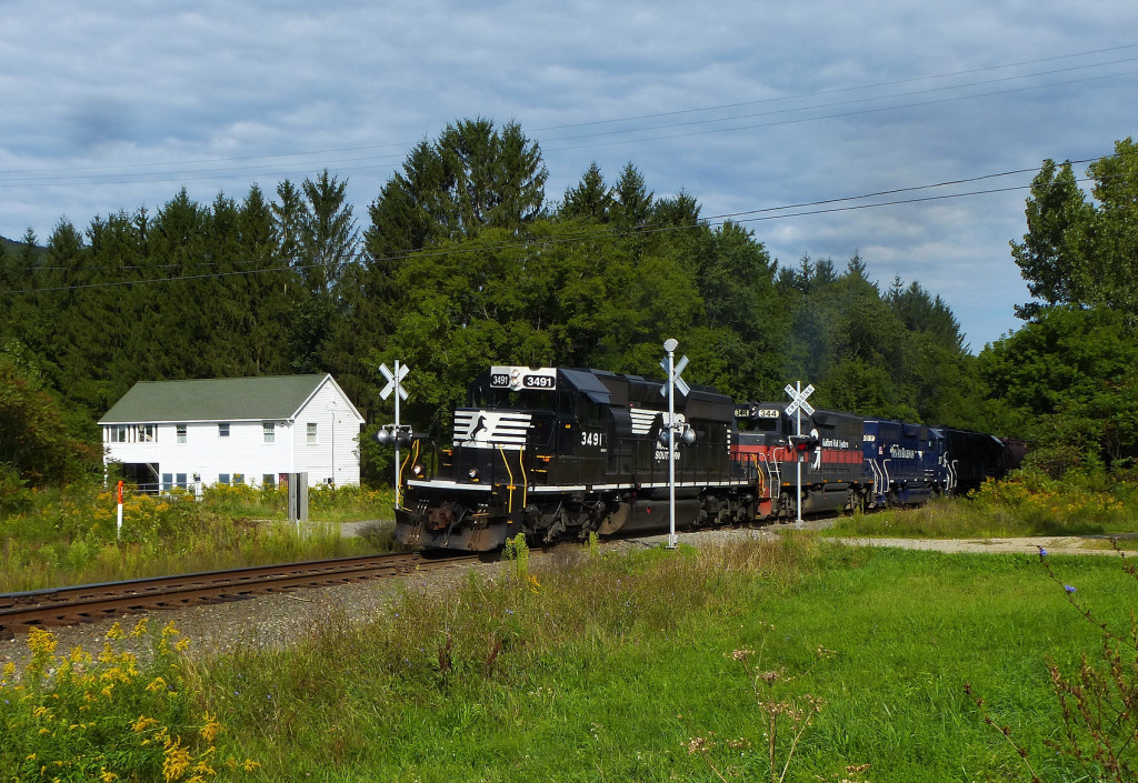 PanAm Railways train MOED Norfolk Southern lease unit in Pownal Vermont